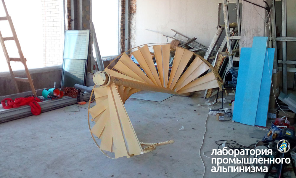 Подъём металлических лестниц
